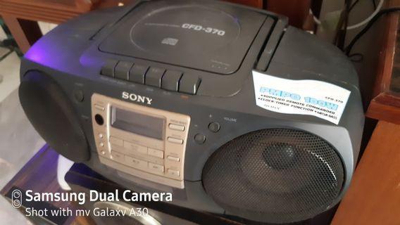 Sony CD cassette mini compo/ AM/FM