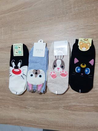 🚚 Korean socks (4 for $8)