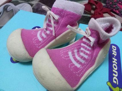 誠品專櫃買 襪鞋女童 15號 小女長好快穿沒幾次