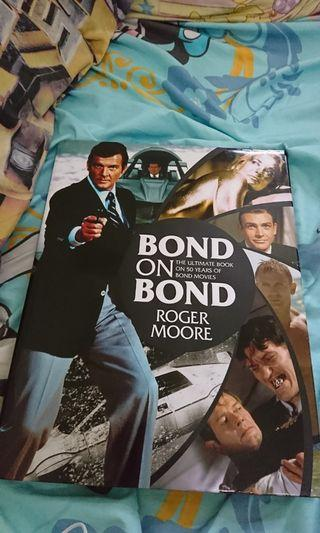 James Bond 007 Book ( Roger Moore)