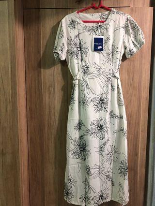 🚚 BNWT: Classy Floral Dress (Made in Korea)