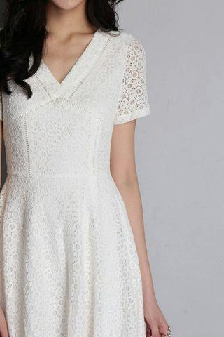 BNWT Lilypirates An Innocent Waltz in White Lace