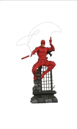 PO: DIAMOND SELECT TOYS Marvel Comic Gallery: Daredevil Diorama PVC Figure