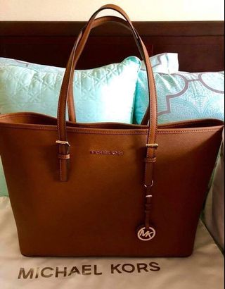 d89abe74a8c6 michael kors bag brown   Bags & Wallets   Carousell Philippines