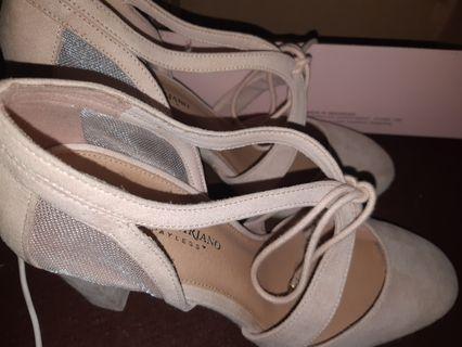 Sepatu Christian Siriano