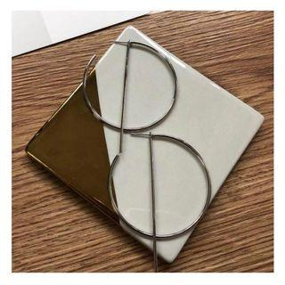 🚚 FREE NM // silver hoop dangle earring