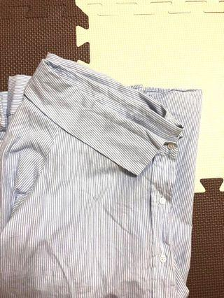 🚚 藍條紋肩帶半平口襯衫