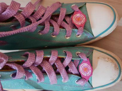 Sketchers high cut shoes