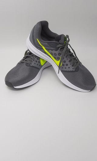 Nike 運動鞋