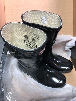 HUNTER ORIGINAL GLOSS SHORT 水鞋 / 中筒水靴
