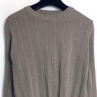 🚚 藕灰色顯白 針織 百折上衣