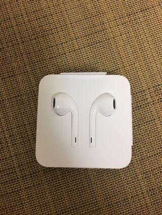 Apple iPhone ear pods lightning 接頭