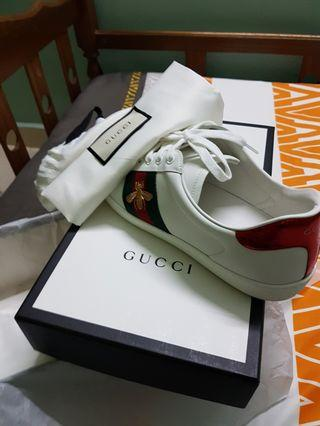 Gucci Ace Embroided Bee Sneakers