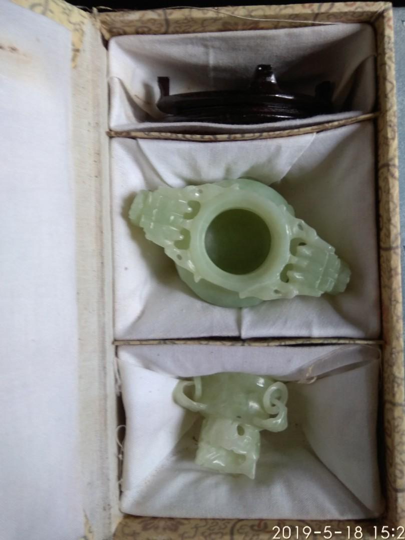 收藏多年新山玉香爐連木座及原裝盒