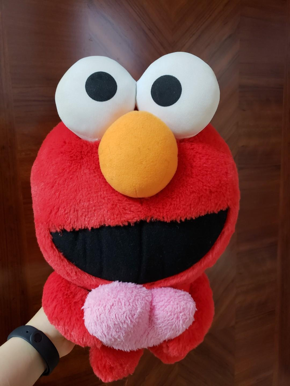 芝麻街 Elmo 毛公仔