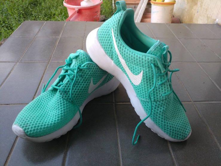 AUTHENTIC NIKE ROSHE ONE TOSCA