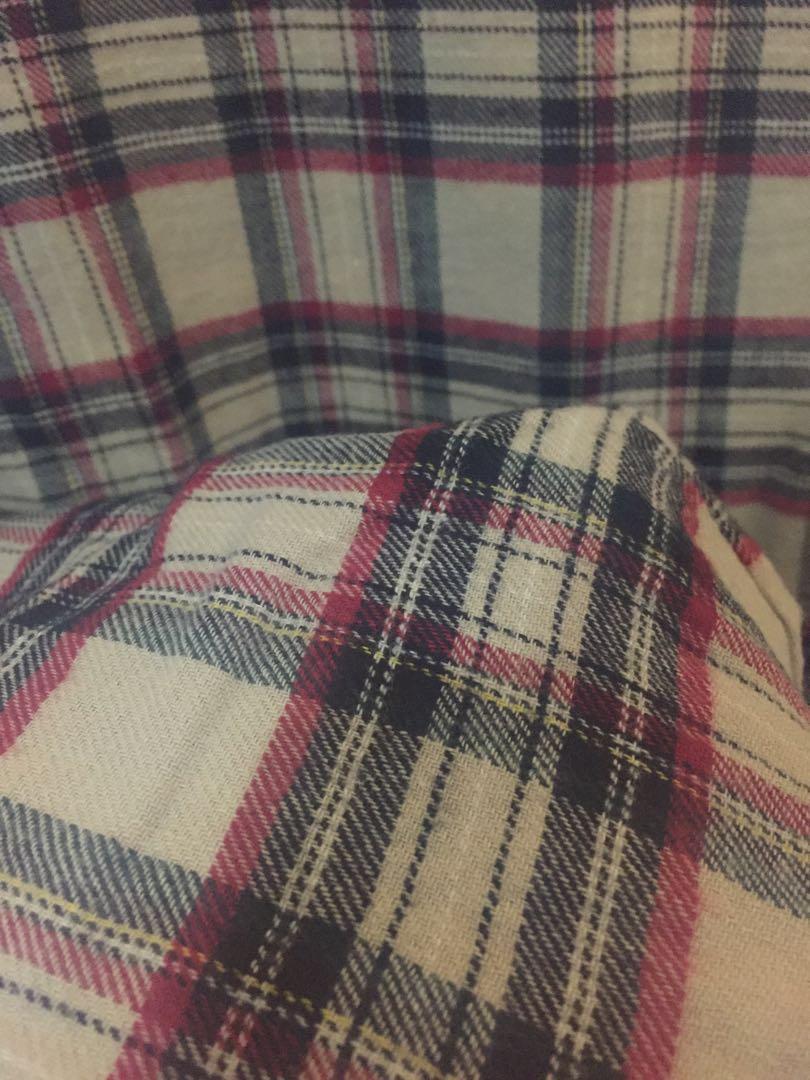 Baju flanel tanpa kerah