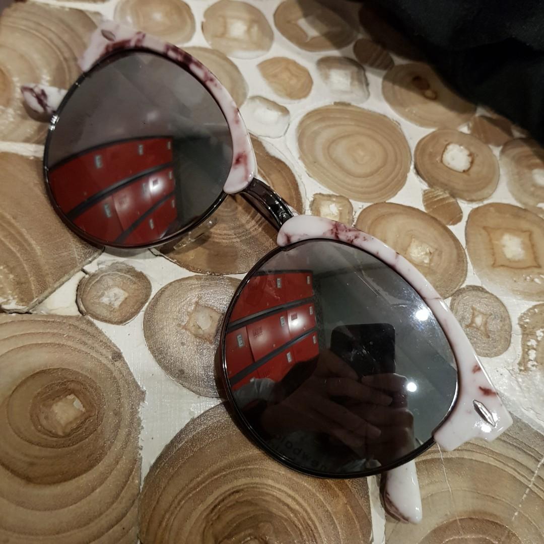 #BAPAU Sunglasses Kece