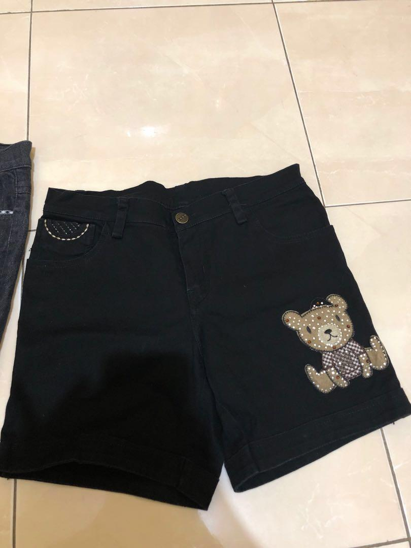 BELI 1 GRATIS 1   celana pendek