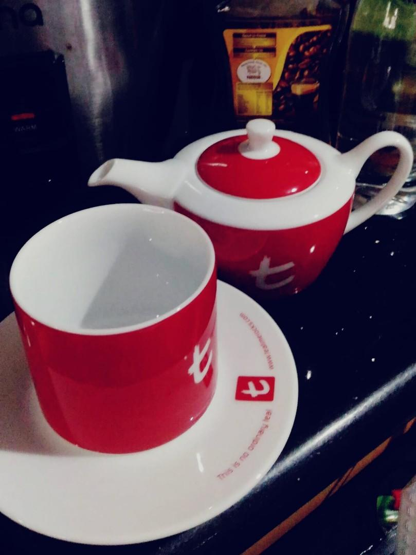 Bn Dilmah Vibrant Cherry Red Teapot Tea Cup Set From Dilmah S Specialty T Series Range Home Appliances Kitchenware On Carousell