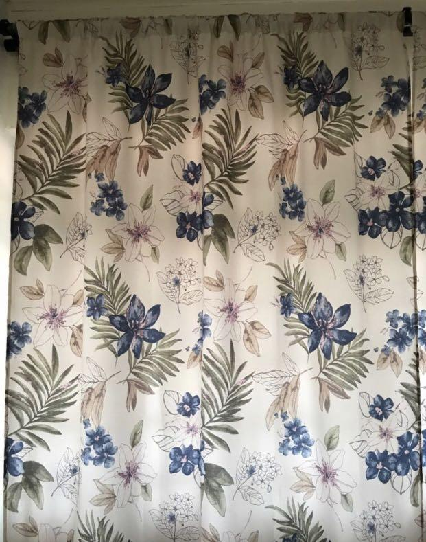 Floral curtains (145x260)