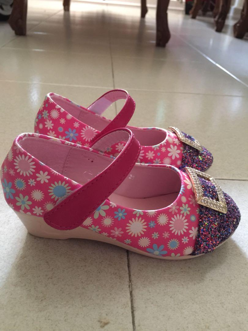 Girl wedges shoe