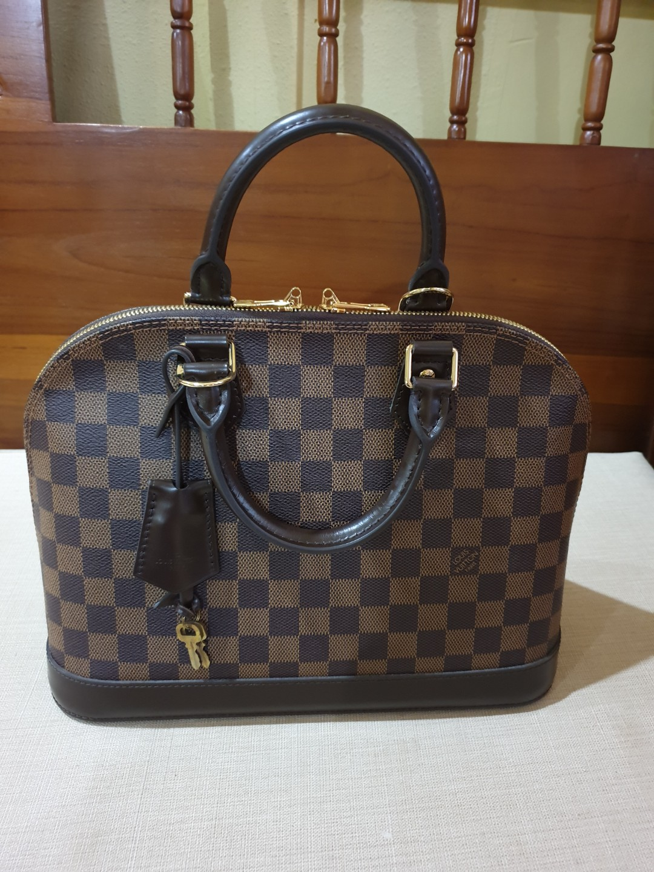 feb1adb72ad Louis Vuitton Alma PM Damier Bag
