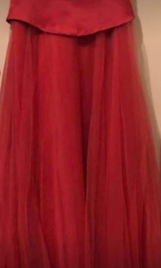 NEW WITHOUT TAGS - FULL LENGTH EVENING GOWN BY LIZ JORDAN