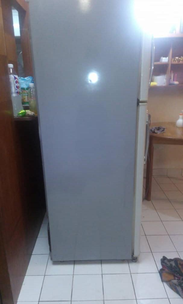 Refrigerator - freezer in a good condition