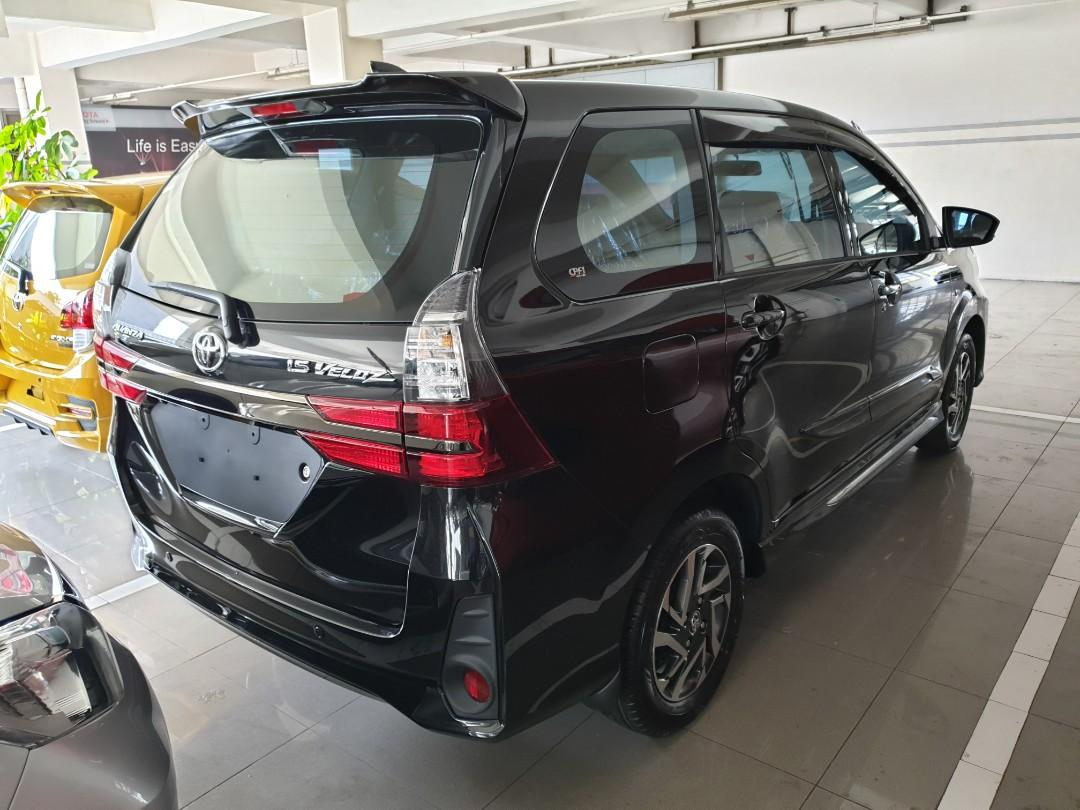 TOYOTA AVANZA VELOZ 1.5 AT