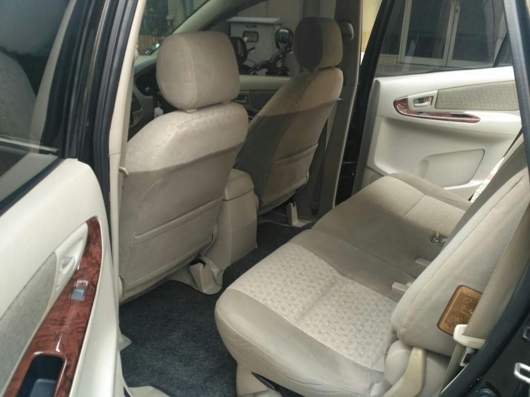 Toyota Grand Innova 2.0G 2011AT Hitam..Special Condition