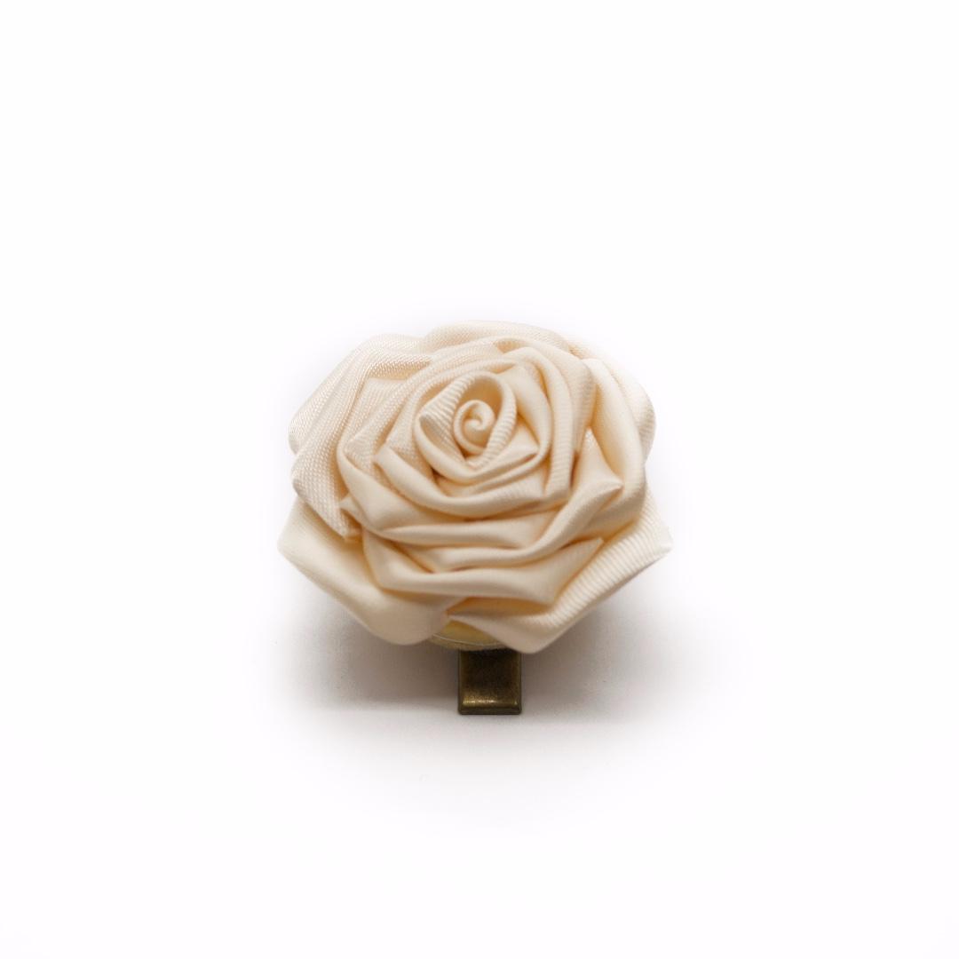 Tsumami kanzashi rose in ivory white, Traditional Japanese hair accessory