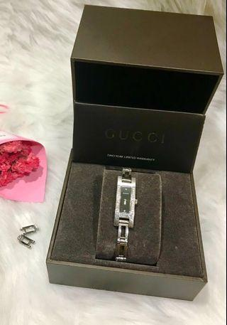 🚚 Gucci 雙排鑽錶💍情人節