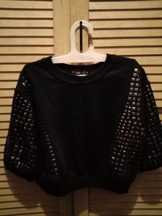 Black Sweater crop