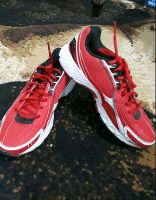 Sepatu League Original