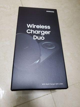 全新無線雙充電器
