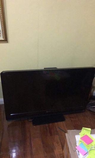 Sony Flat Screen TV Television 38 Inches