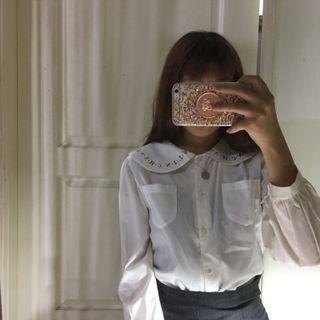 🚚 襯衫- 古著 復古 字母 設計 娃娃領 白色 微透 襯衫