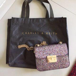 Charles and keith, like a new !! Tdk ada deffect sama sekali. Ori store. Net no nego