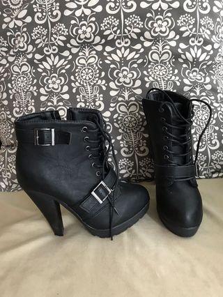 ACO Booties Black