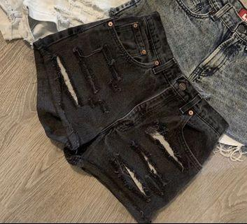 Aritzia Levi's shorts