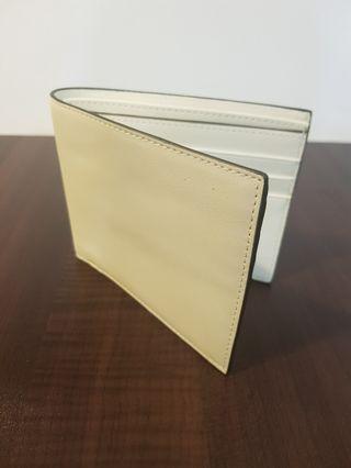 🚚 Unisex wallet- white colour
