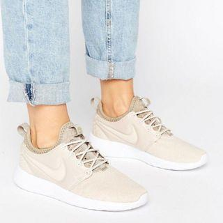Nike roshe two tan nude sneakers