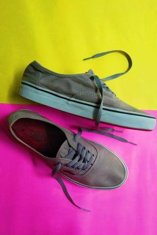 VANS AUTHENTIC GREY || SIZE 40.5
