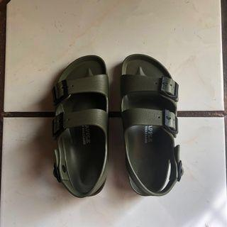 Red Apple Sandal Green Army