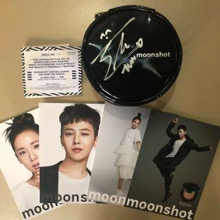 Moonshot Pouch signed by 2NE1 Sandara Park