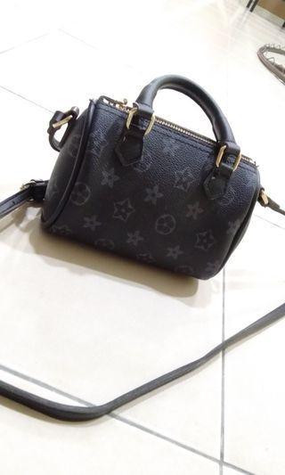 Kids handbag/sling bag