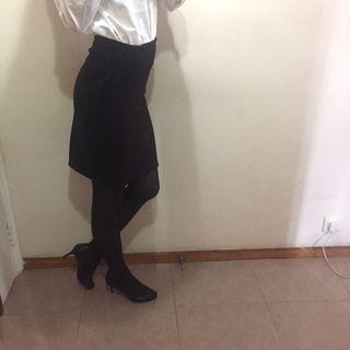 Black pencil skirt 黑色短裙