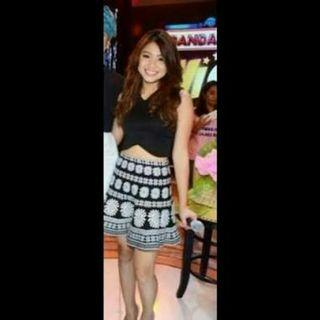 Nadine Lustre crop top