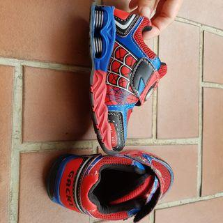 Preloved spiderman sneakera